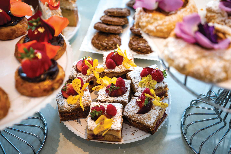 San Diego chef Deborah Scott eats at San Diego restaurant Extraordinary Desserts