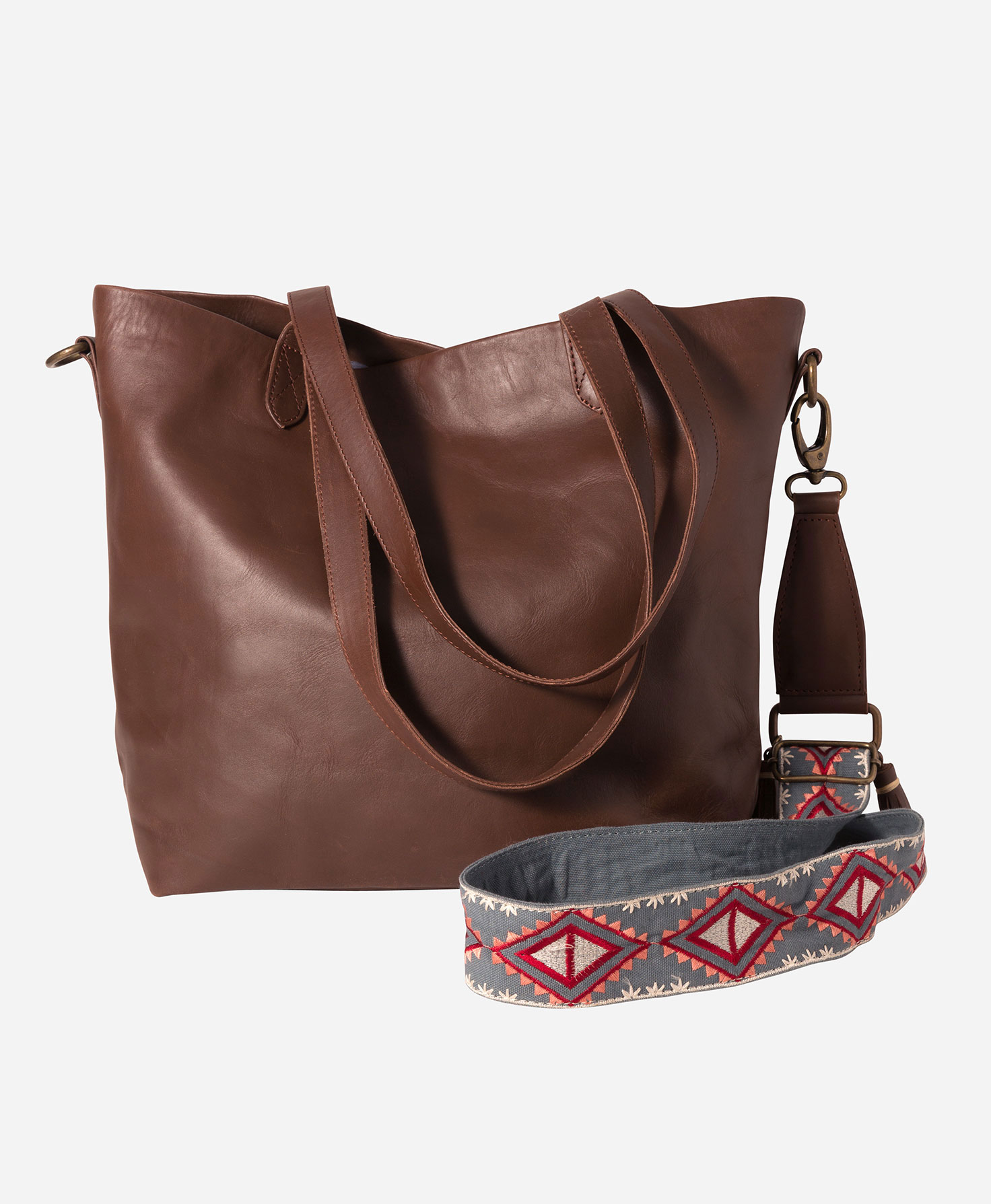 travel gift guide jetsetter convertible bag from noonday collection