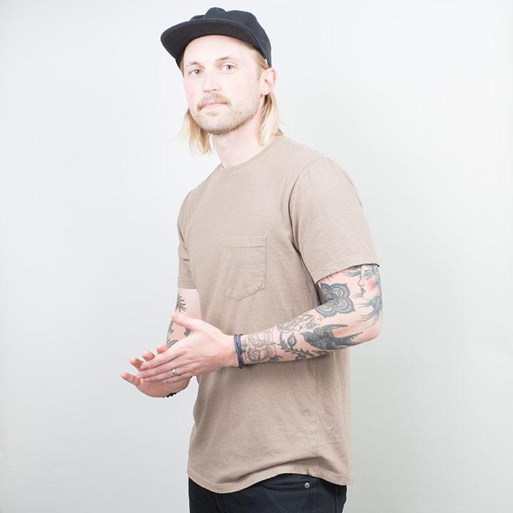 gift guide for men lone flag basic pocket curved hem tee t-shirt guys clothing