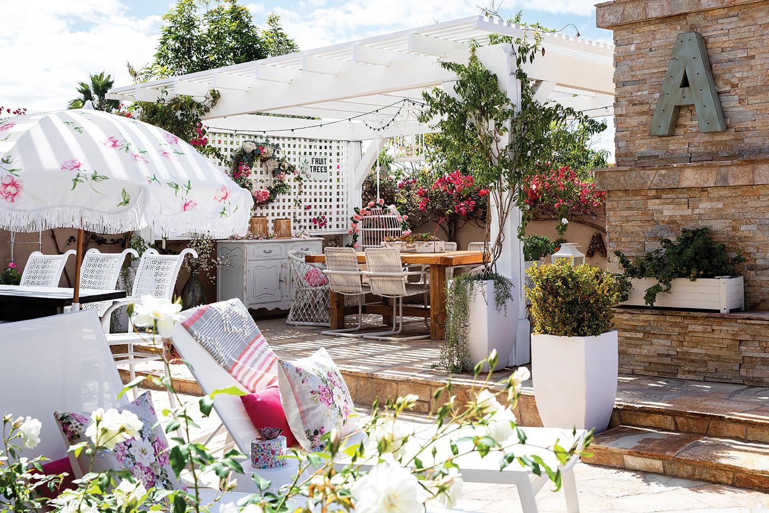 english country style garden patio