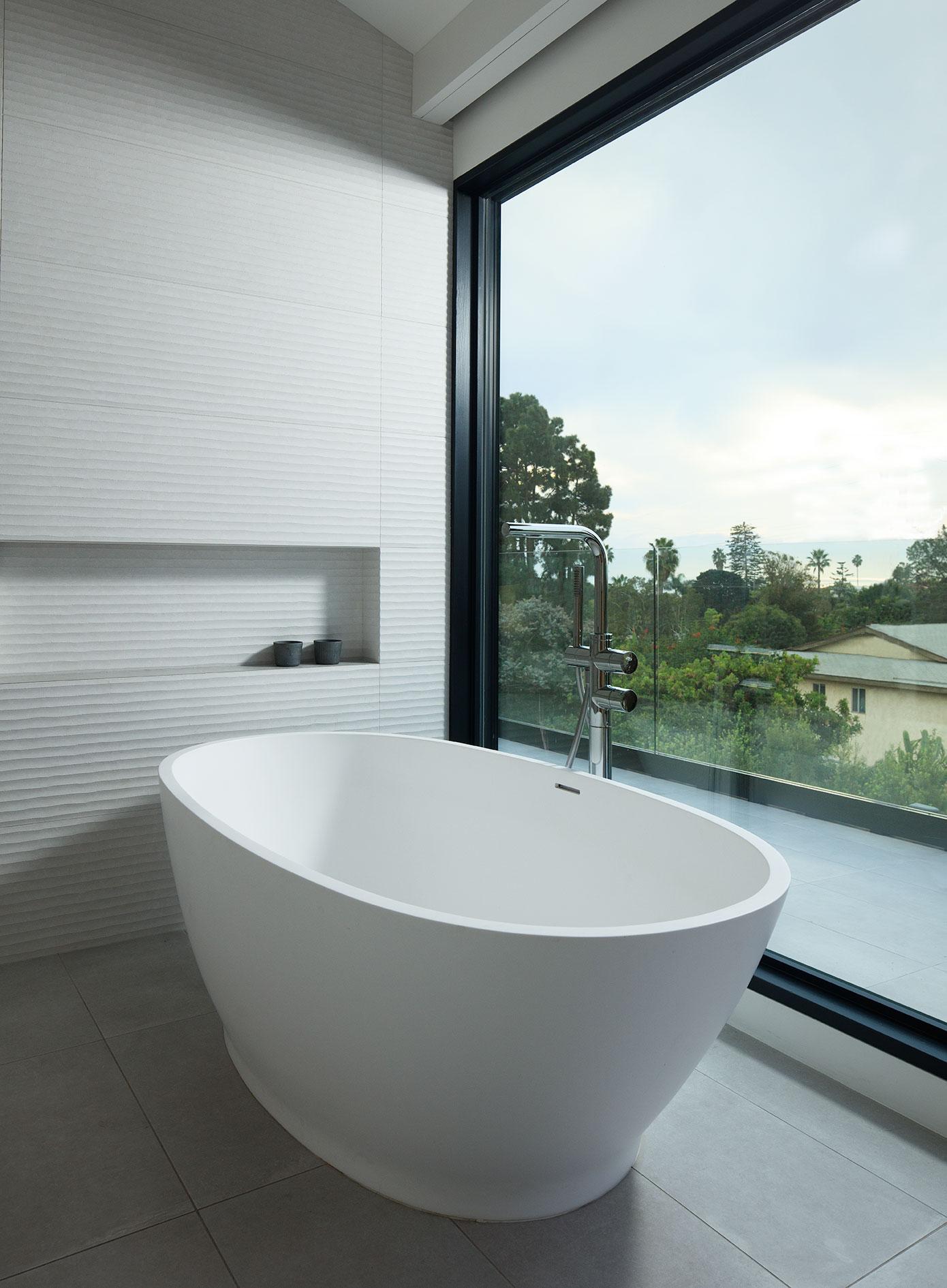 green home design sustainable LEED bathroom bathtub soaking tub