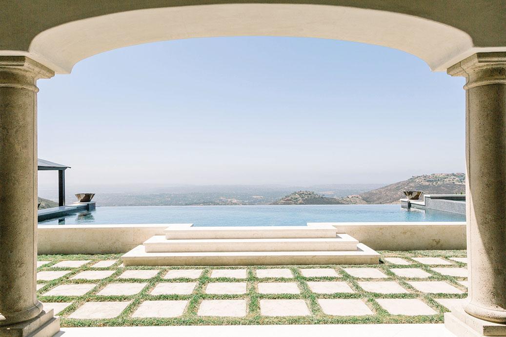 Italian home design San Diego Homes of the Year 2019 negative-edge pool infinity pool