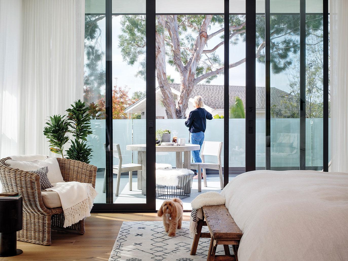 neutral color design san diego glass walls