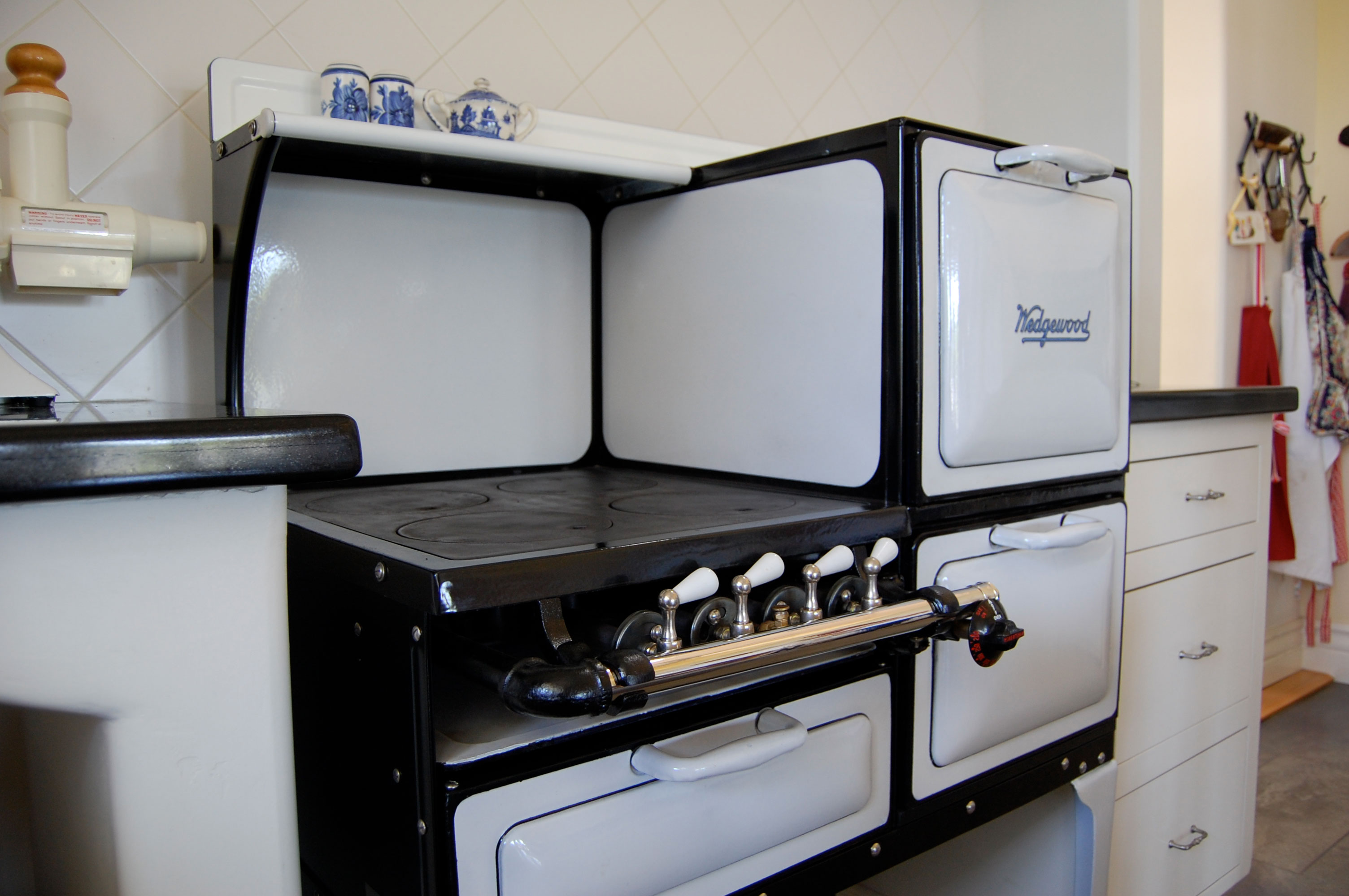 Why Where And How To Buy A Vintage Stove San Diego Home Garden Lifestyles