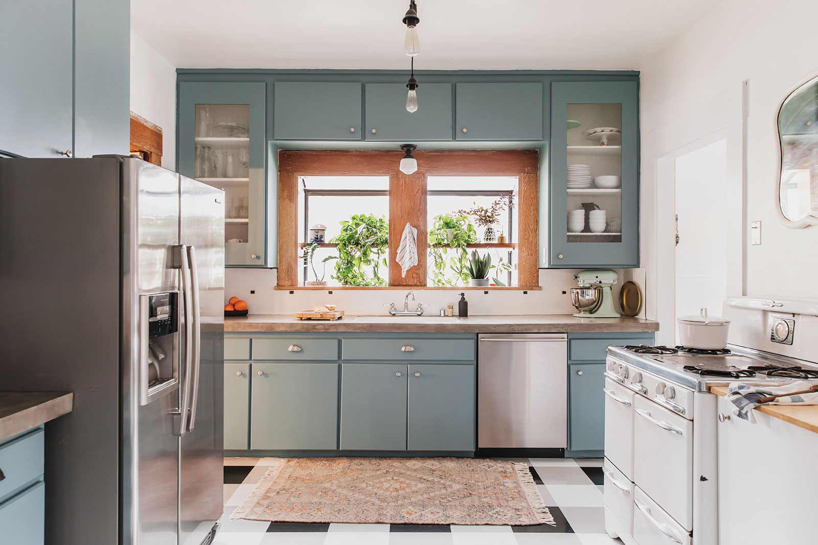 DIY kitchen changes ashley goldman's historic retro kitchen with a muted flatweave rug