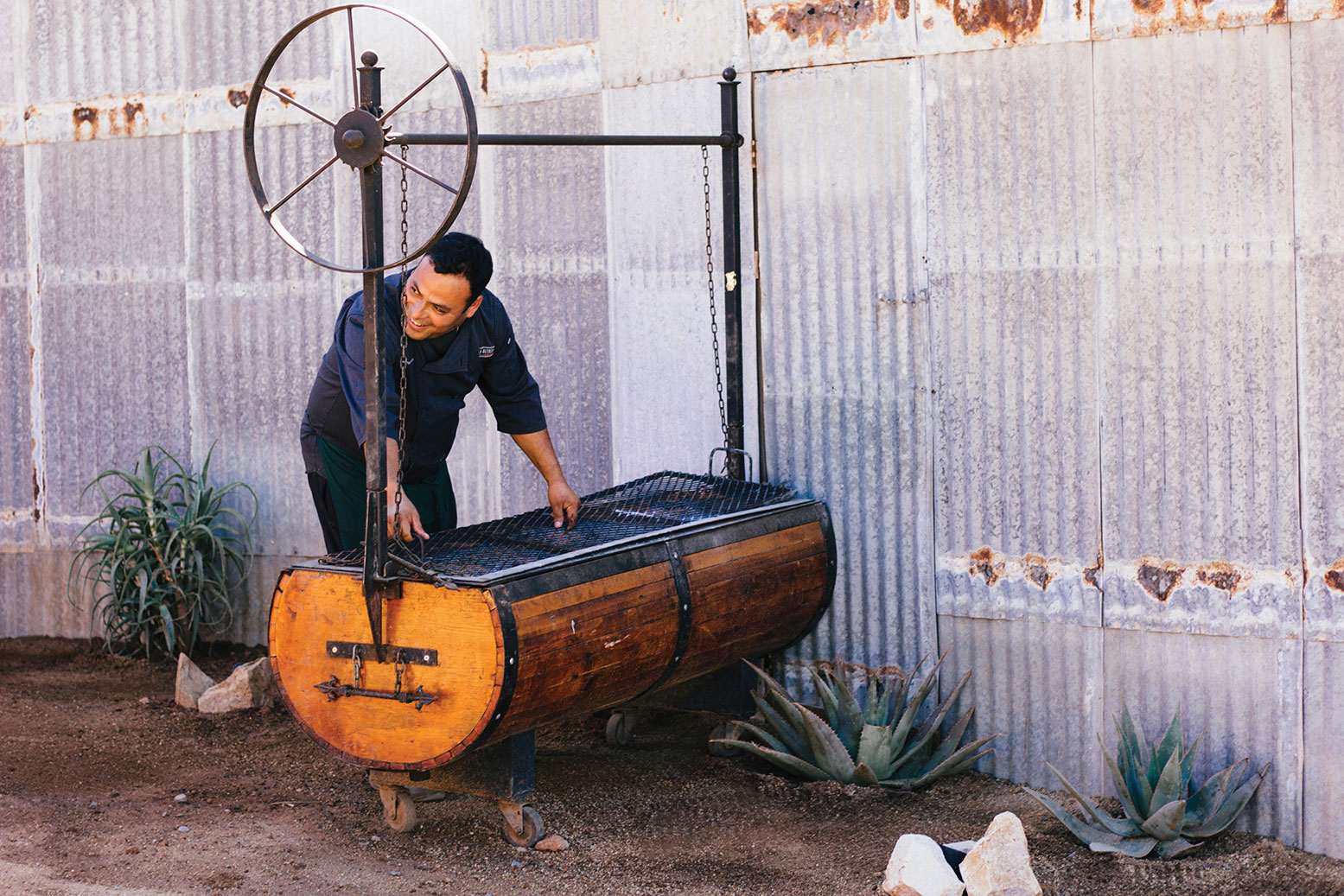 Finca Altozano Pedro Penuelas Peñuelas lamb valle de guadalupe caja china roasting box mexico baja travel