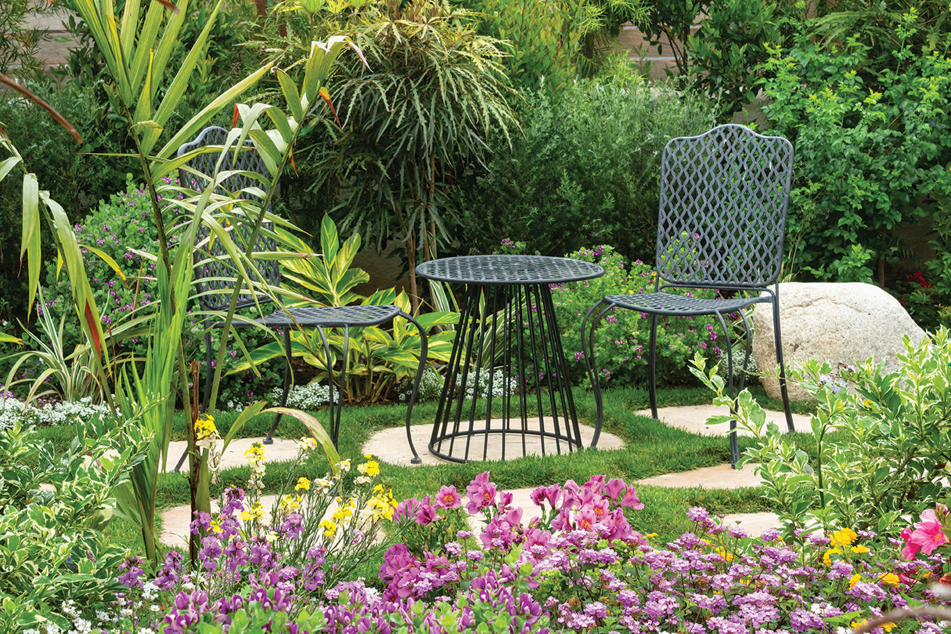 california cottage garden seating patio table and chairs