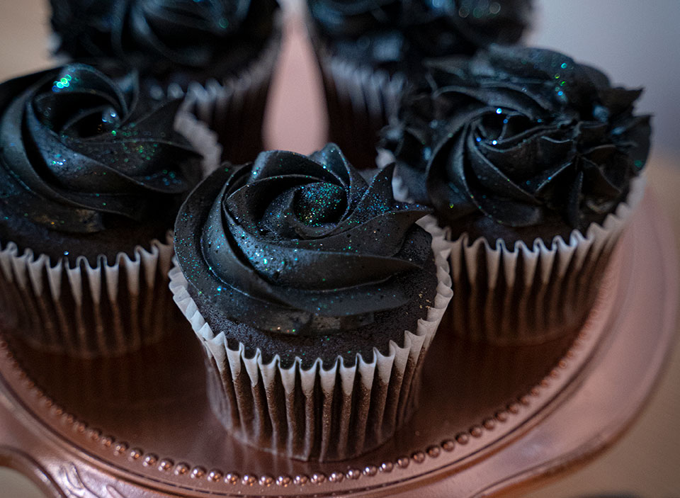 natural food dye black icing