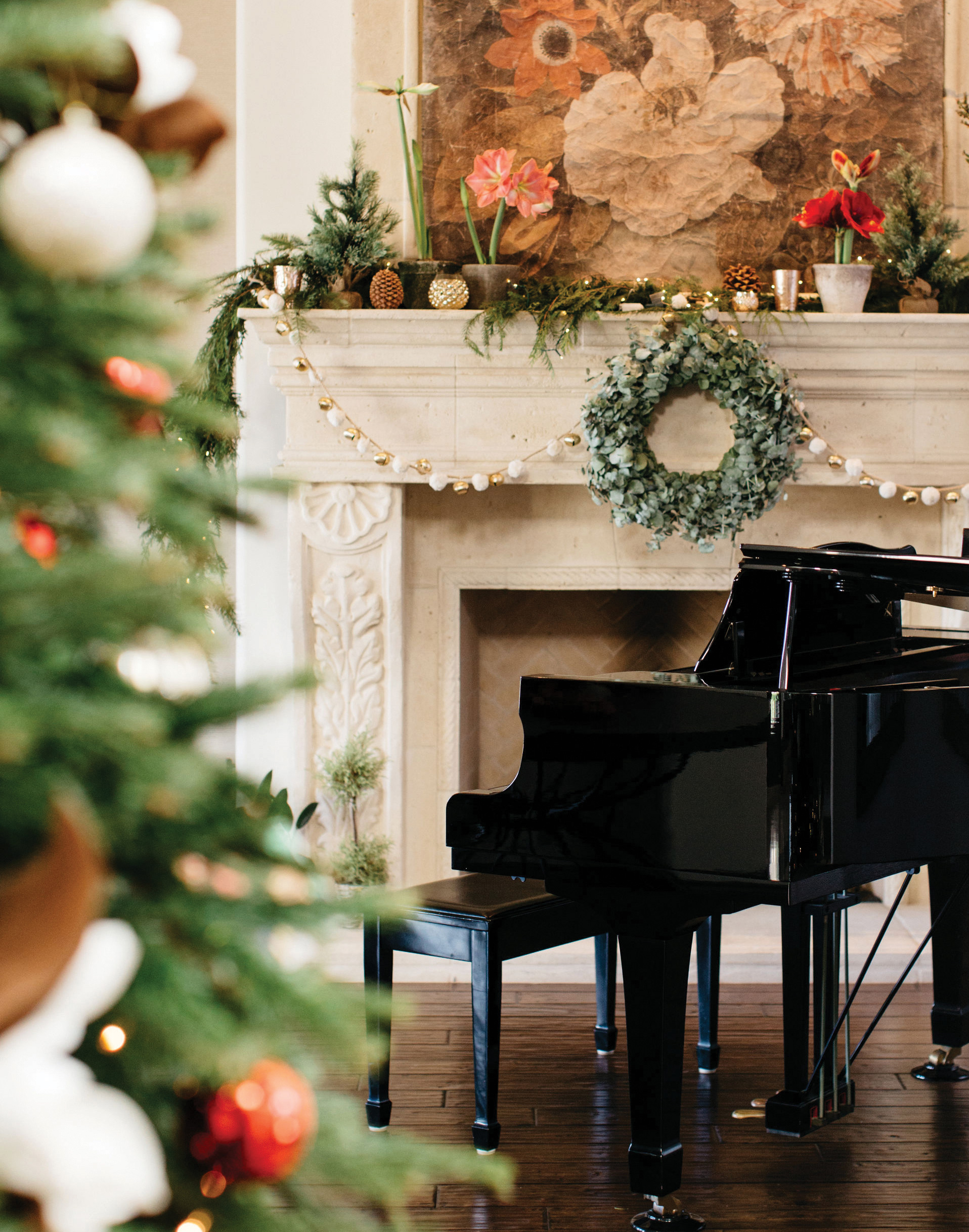 piano christmas decorations fireplace mantle holiday decorating professional